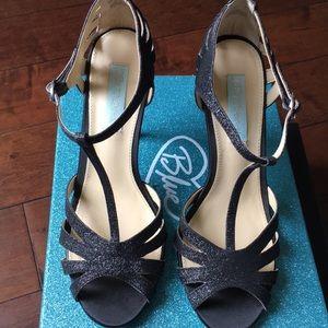 Betsey Johnson blk heels